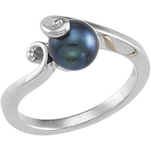 14Kt White Gold Black Cultured Pearl Ring