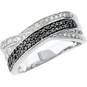 14Kt White Gold Black & White Diamond Ring